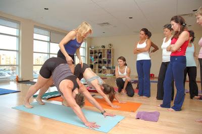 Đội trưởng Arssenal chọn Yoga là phương pháp tập luyện trong thời gian bị chấn thương