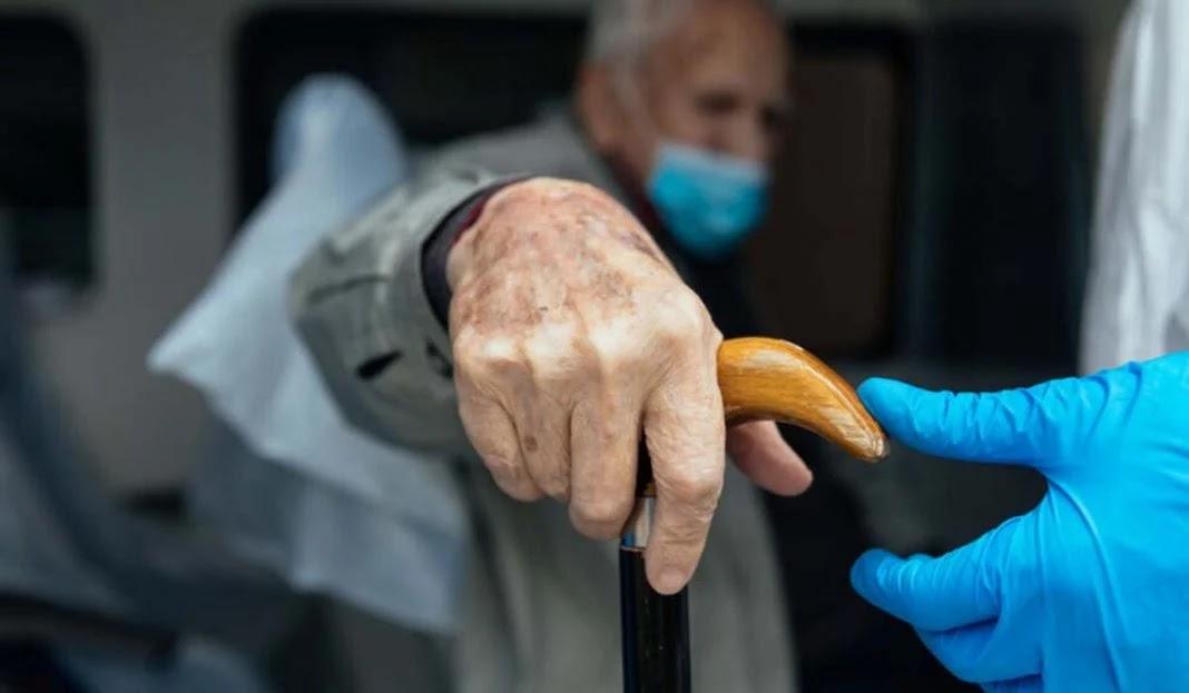 Στέλνουν 82χρονο από την Ξάνθη να εμβολιαστεί στα Γιαννιτσά