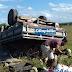 Veículo que transportava feirantes capota ao bater em buraco na rodovia (SE/290) em Tobias Barreto