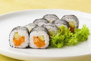 Norimaki Sushi (海苔巻き寿司)