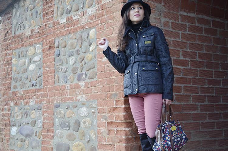 look-trends-gallery-blog-barbour-jacket-sombrero-hat-botas-mosqueteras
