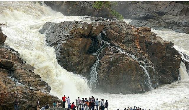Shivanasamundram, Karnataka Waterfall