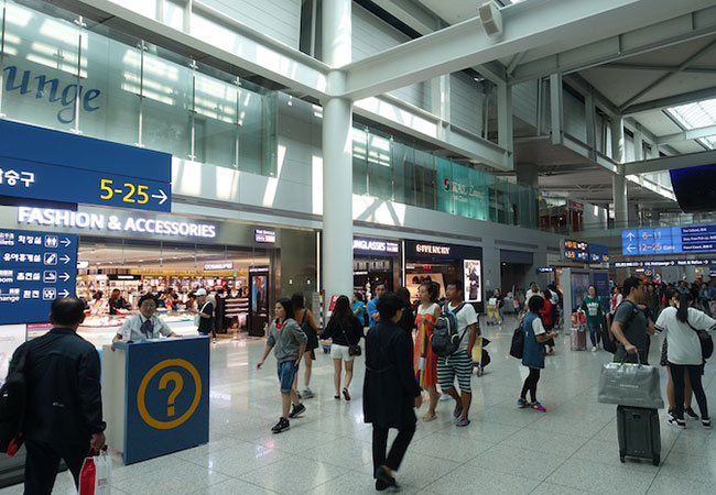 Penelitian South Korea Struggles to Track Foreign Passengers in MERS Alert