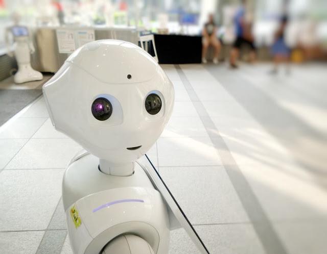 """人工智慧EVA用""""表情"""",讓你天天都有好心情!"""