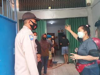 Tingkatkan Patroli Dialogis, Bhabinkamtibmas Pattunuang Imbau Prokes di Warga Binaanya