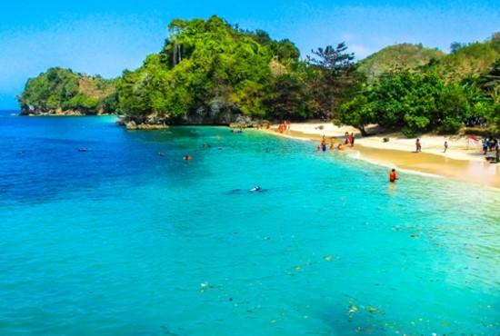 Wisata Malang, Pantai 3 (Tiga) Warna Salah Satu Pantai Terindah Bebas Sampah di Jawa Timur