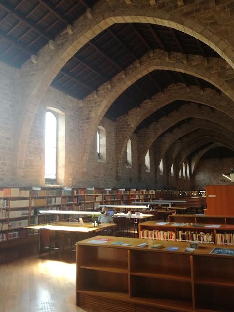 visitare-biblioteca-barcellona