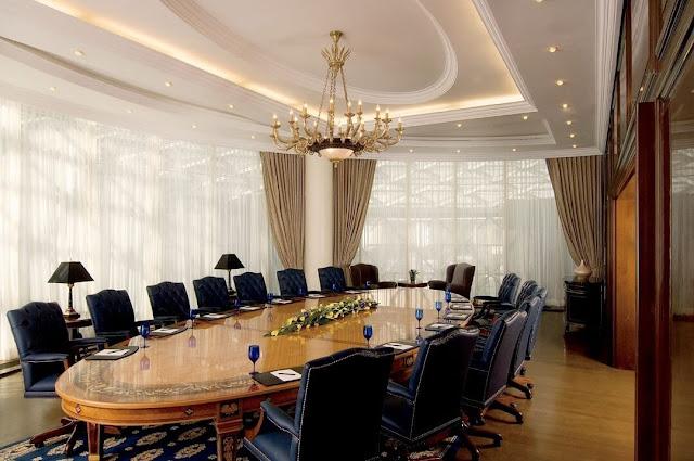 Mẫu thiết kế bàn ghế phòng họp tân cổ điển