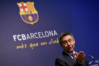 Bartomeu defends Barcelona s ageing stars, saying none of them has lost his desire to win.