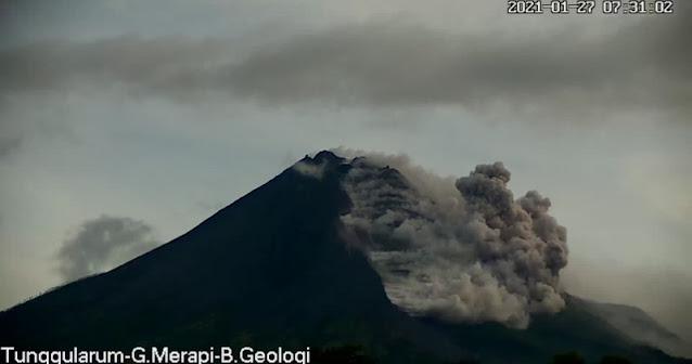 Gunung Merapi Erupsi Besar, BPPTKG Minta Masyarakat Tidak Beraktivitas Di Radius 5 KM Puncak