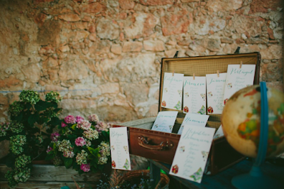 Piezas vintage como parte de la decoración en una boda chic