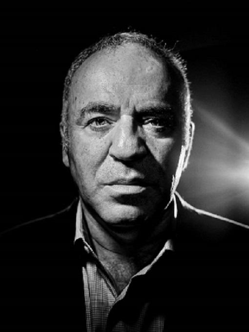 Garry Kasparov le 22 juin à Paris lors de son passage au Paris Grand Chess Tour pour la promotion de son nouveau site Kasparov Chess - Photo © Rémy Artiges pour Libération