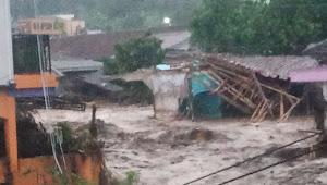 Telah Terjadi Banjir Bandang Di Kampung Cibuntu Kecamatan Cicurug Sukabumi