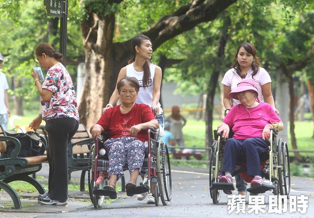 Merawat Pasien Demensia Butuh Cinta Kasih, Kesabaran dan Keahlian