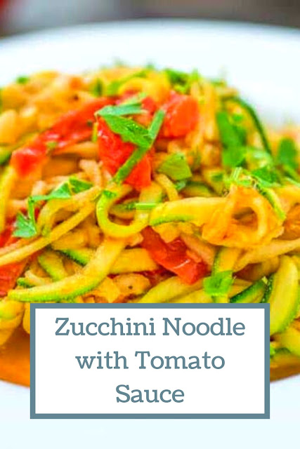 ZUCCHINI NOODLES WITH TOMATO SAUCE