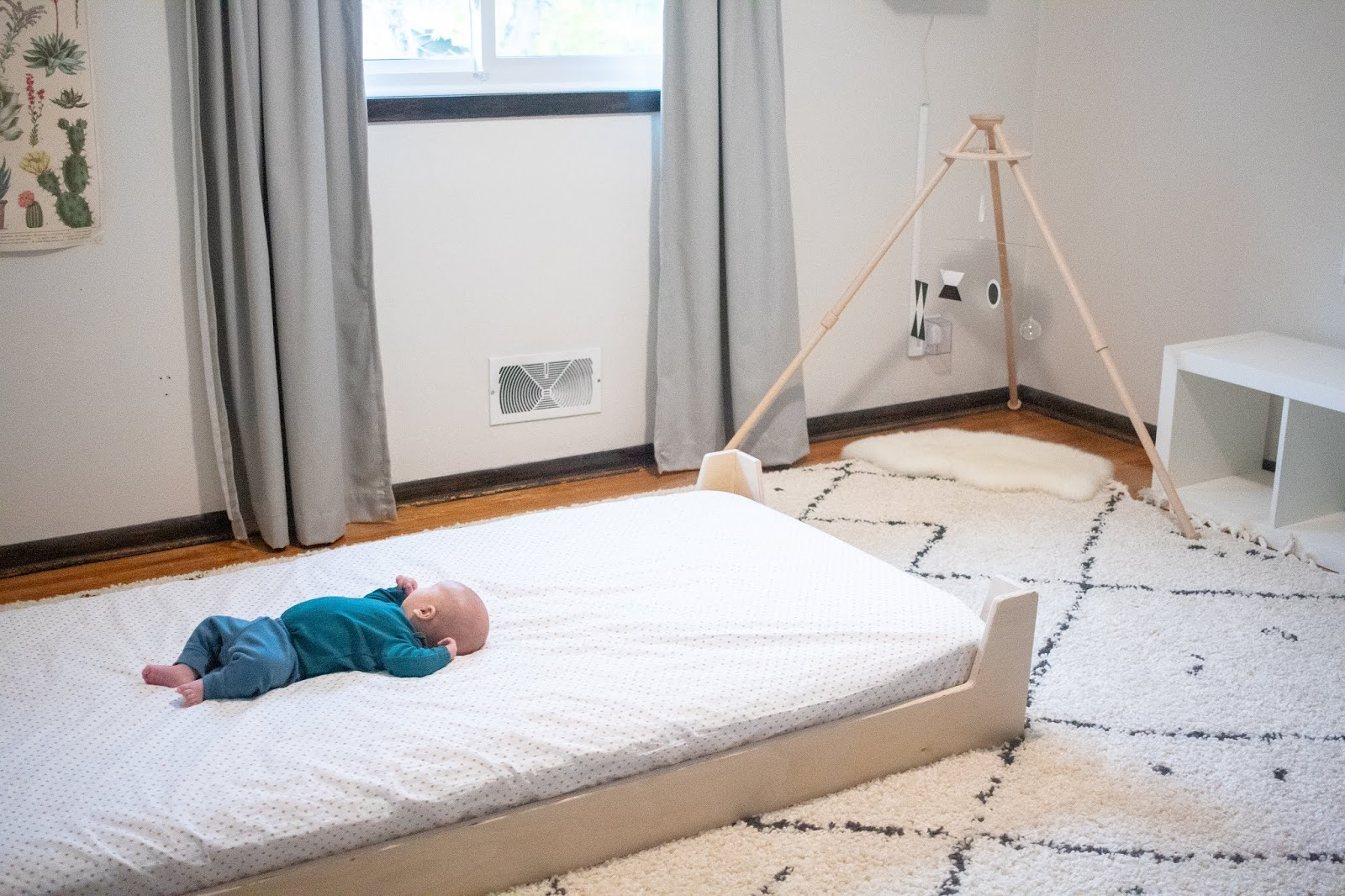 Transitioning To A Montessori Floor Bed Montessori Baby Week 7