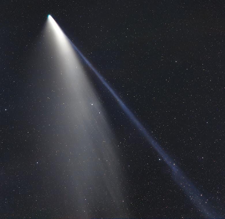 Foto: Gerald_Rhemann  Objeto: Cometa C / 2020F3 NEOWISE 19 07 2020  Fecha: 19 07 2020 UT 21h02m Ubicación: Martinsberg, Baja Austria Telescopio: Canon Teleobjetivo f 2.8 detenido en f 4.0 Cámara: FLI PL 16803 Montaje: ASA DDM 60 Tiempo de exposición: LRGB: 6 / 2/2/2 min. cada