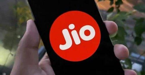 Jio रोज 3GB के साथ 10GB तक एक्ट्रा डेटा, फ्री कॉलिंग और हॉटस्टार का भी मजा