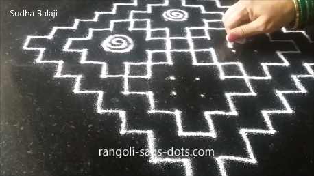 Very-easy-rangoli-with-dots-pics-1ar.png