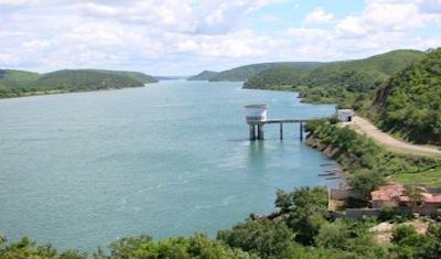 Casal efetua manutenção para melhorar Sistema Coletivo da Bacia Leiteira de Alagoas