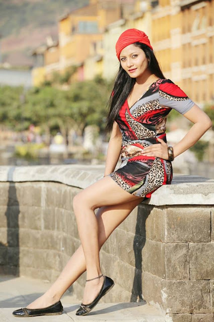 Actress Riyana Sukla Latest Hot Photos Navel Queens