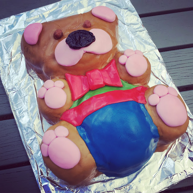Bake Box Teddy bear Cake