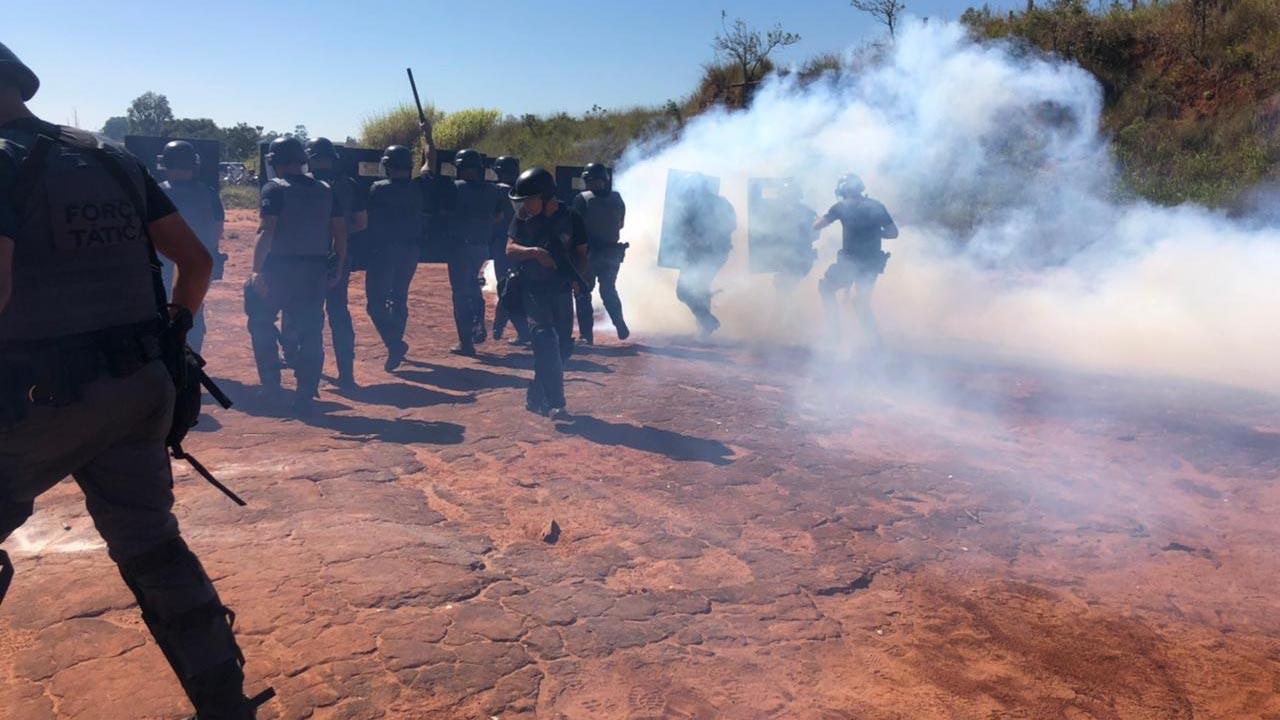 Força Tática recebe treinamento para conter manifestações distúrbios civis