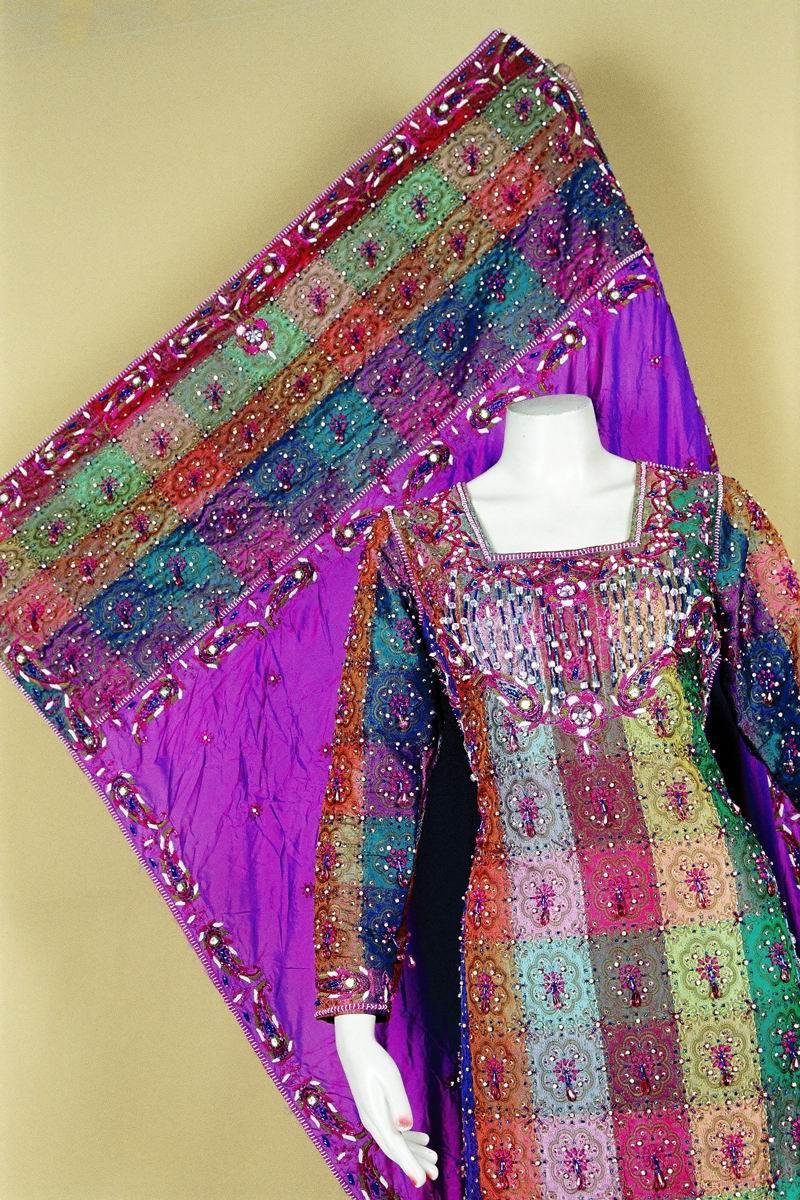 Pakistani clothes for women