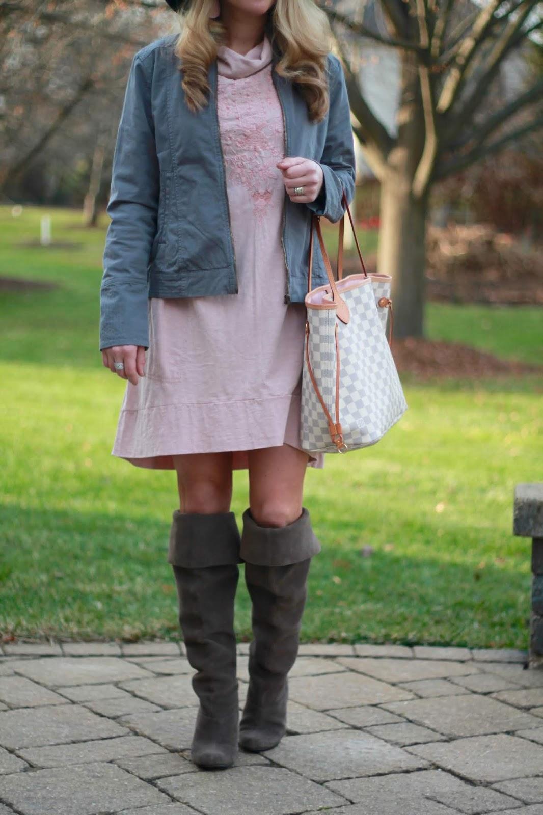 pink tunic dress, grey jacket, grey boots, LV azure neverfull, black floppy hat