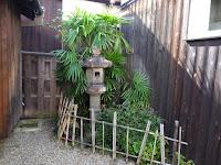 枚方宿・鍵屋資料館 石燈籠