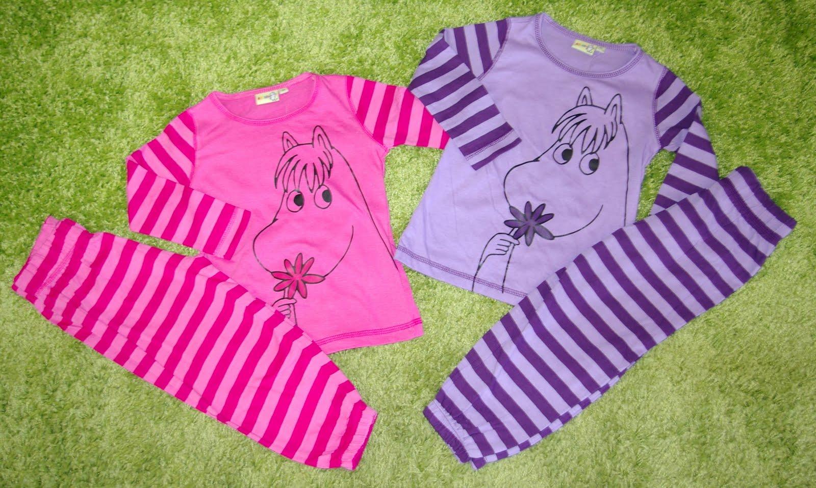 Gustav   Lillan Barnkläder i Habo  Underbar 2-delad pyjamas från Mumin 2e6a82693a97a
