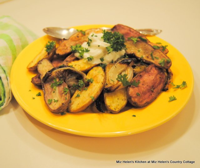 Herb Roasted Baby Potatoes at Miz Helen's Country Cottage