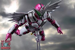 S.H. Figuarts Kamen Rider Jin Flying Falcon 27