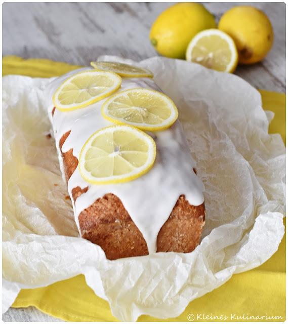 Zitronenkastenkuchen mit Zitronensirup getränkt zum Bloggeburtstag der Münchnerküche.