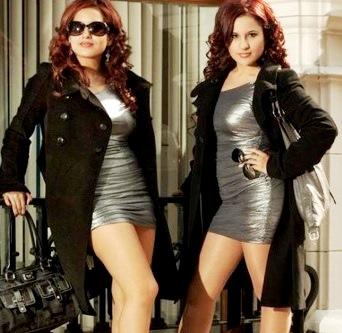Foto de las gemelas Andrea e Irene en sesión de foto