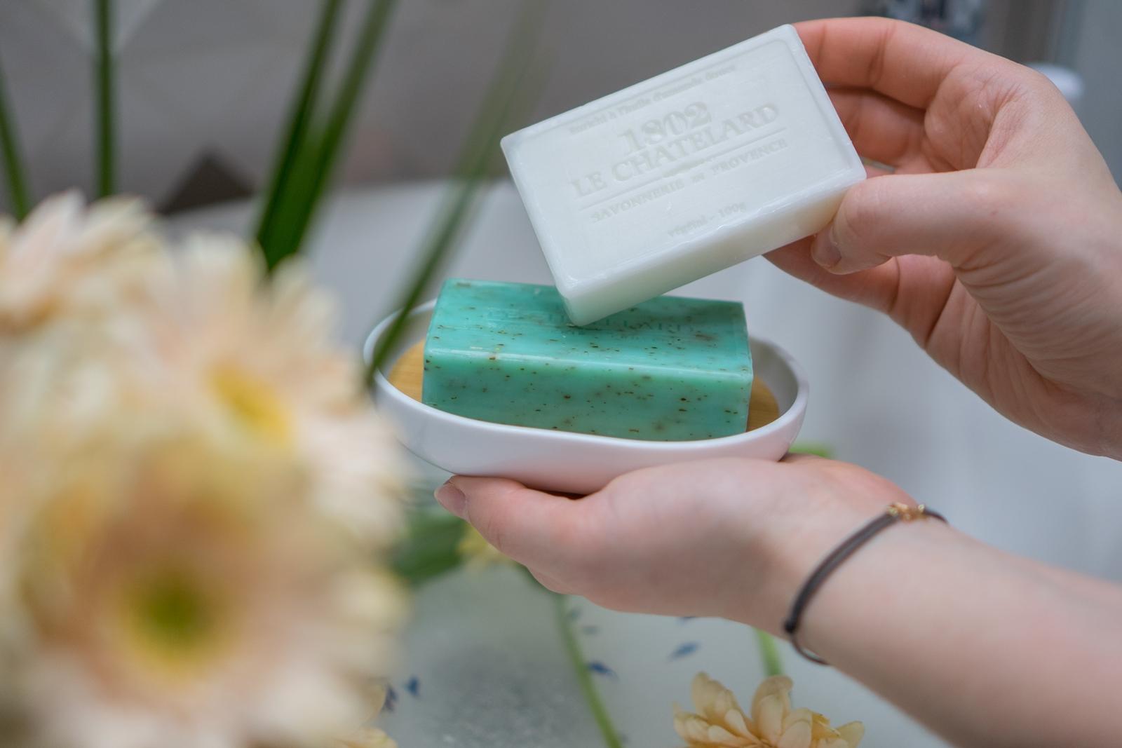 1 naturalne mydła jakie najlepsze mydło dla alergików mydła na trądzik tanie mydła marsylskie z aleppo co to jest mydło naturalne jakich składników unikać w mydle mydło w płynie czy mydło w kostce