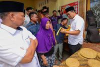 Gubernur Pacu Semangat Pengrajin di Sakra, Lotim
