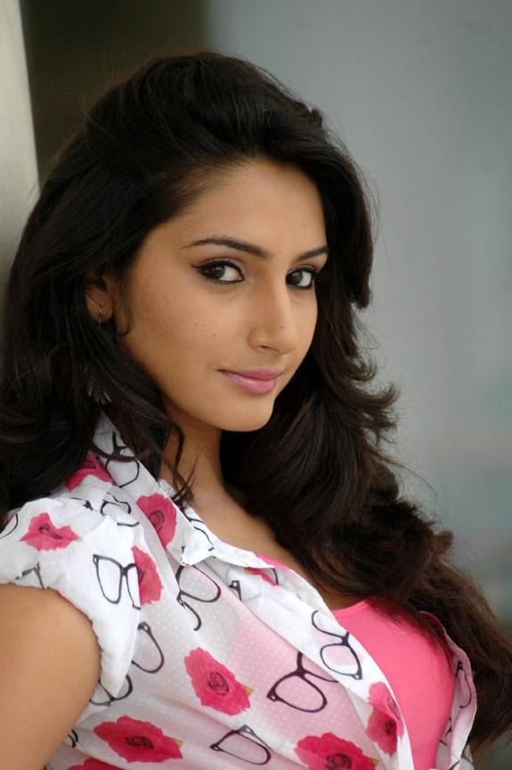 Tags Actress Ragini Dwivedi Latest Photos Pics Images Tamil Actress Images Actress Ragini Dwivedi Latest Photos Pics Images Kannada Actress Ragini Hot