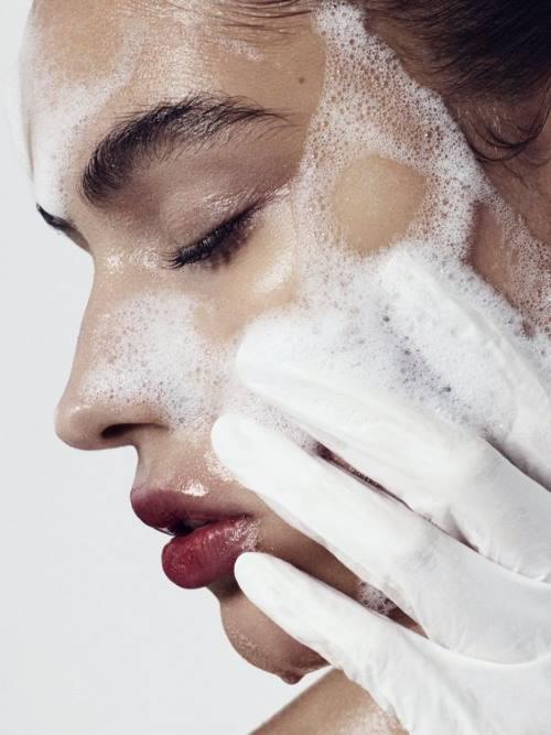 Можно ли умывать лицо мылом?