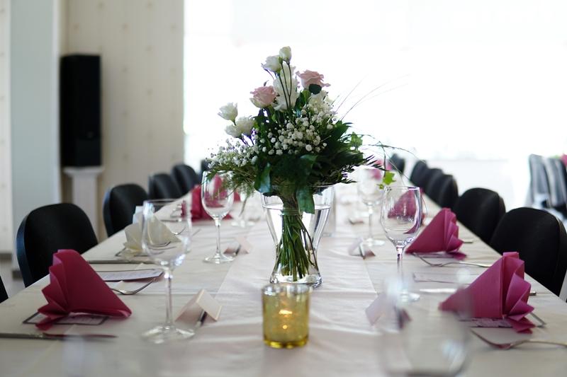 Häät, juhla, juhlapöytä