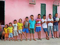 Miliki 13 Anak Lelaki, Pasangan ini Bersumpah Takkan Berhenti Sampai Punya Anak Perempuan