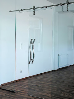 Transparent glass sliding door