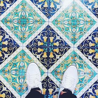 Artificial stones tiles