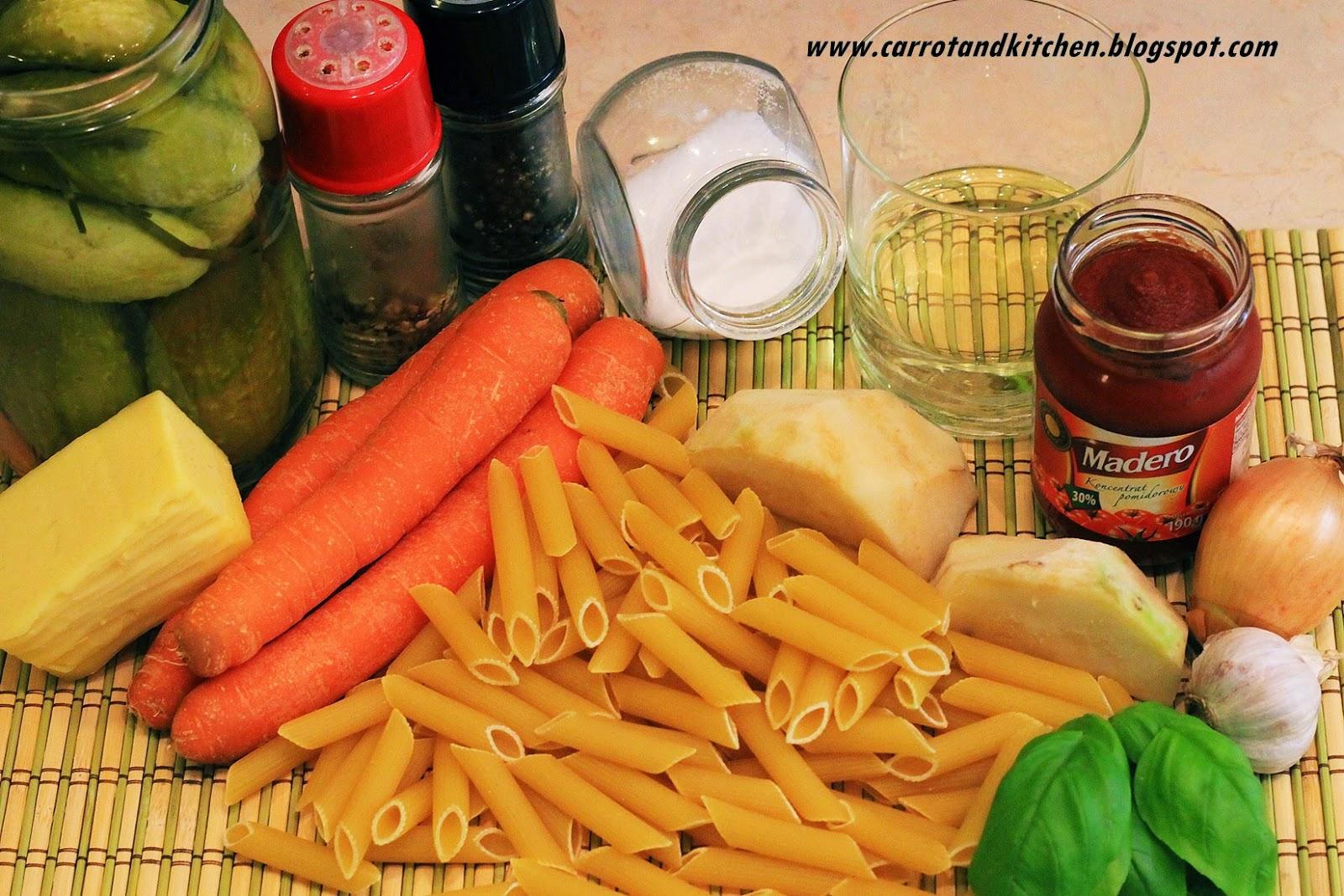 Makaron z warzywami i serem