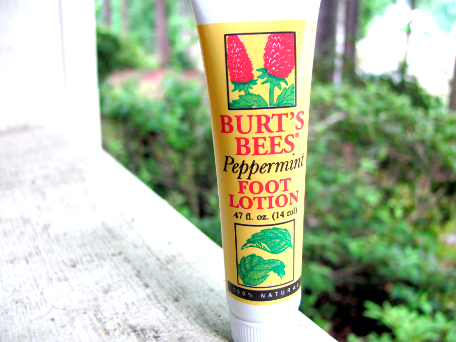 burt's-bees-peppermint-foot-lotion
