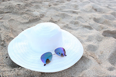 White Sunhat and Aviator Sunglasses