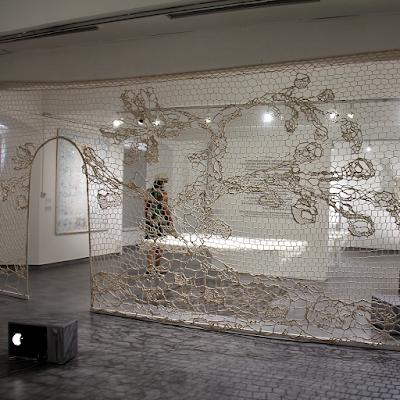 exhibition 'Poincts en suspension' by artist Annie Bascoul.