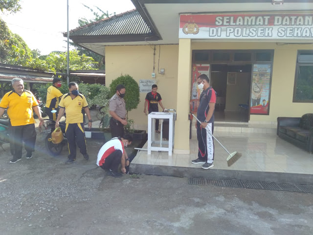 Sambut HUT Bhayangkara Ke - 74, Gotong Royong di Mapolres Muba dan Asrama