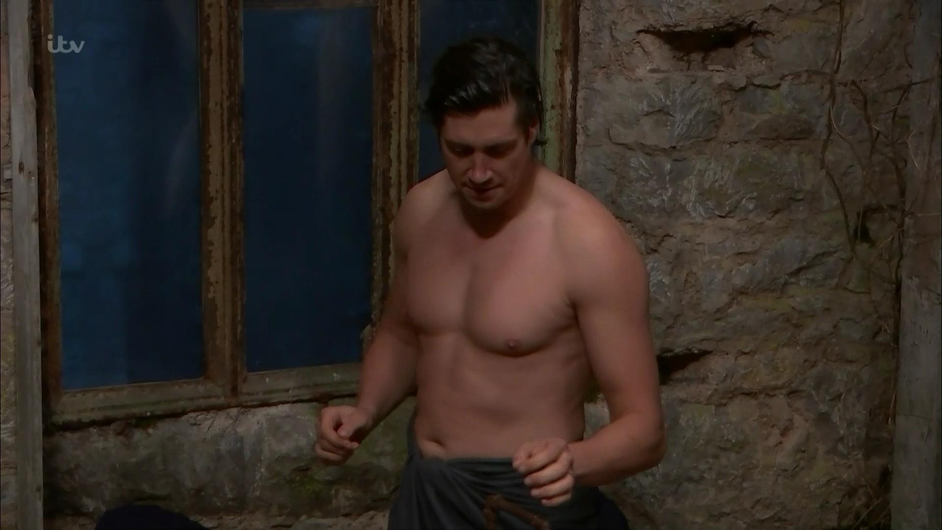 Casperfan: AJ Pritchard in the shower on Im A Celebrity