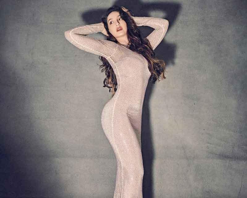 nora-fatehi-shows-off-her-curvacious-body